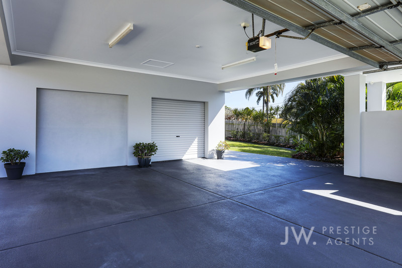 13a Garden Grove, Carrara Qld 4211
