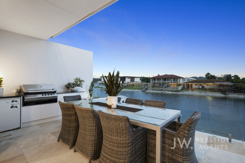 2 / 13 Marlin Court, Palm Beach Qld 4221