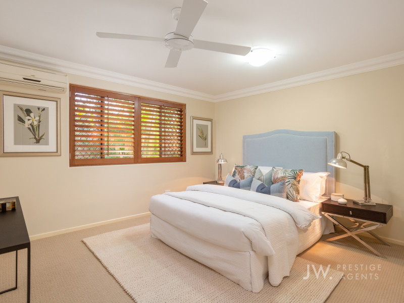 19 River Crescent, Broadbeach Waters Qld 4218